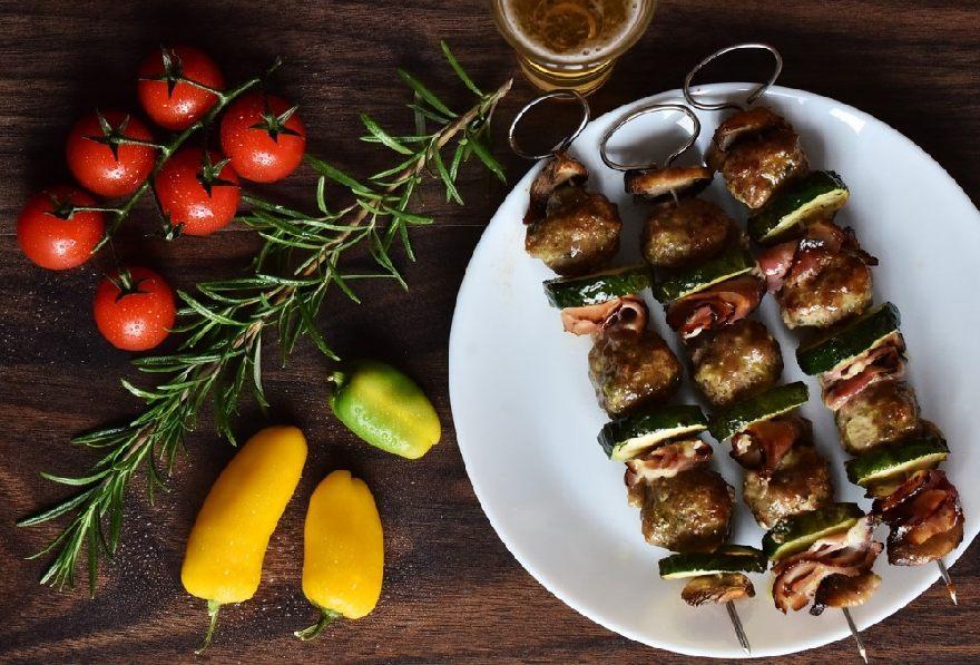 Imbiss Kebab House Kurtulan in Hamburg mit leckeren Döner und eine große Variation an türkischen Essen.